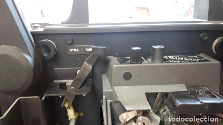 Antigüedades: Proyector Bell Hawell 16 mm. USA. - Foto 17 - 207989438