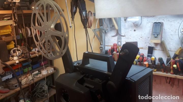 Antigüedades: Proyector Bell Hawell 16 mm. USA. - Foto 28 - 207989438