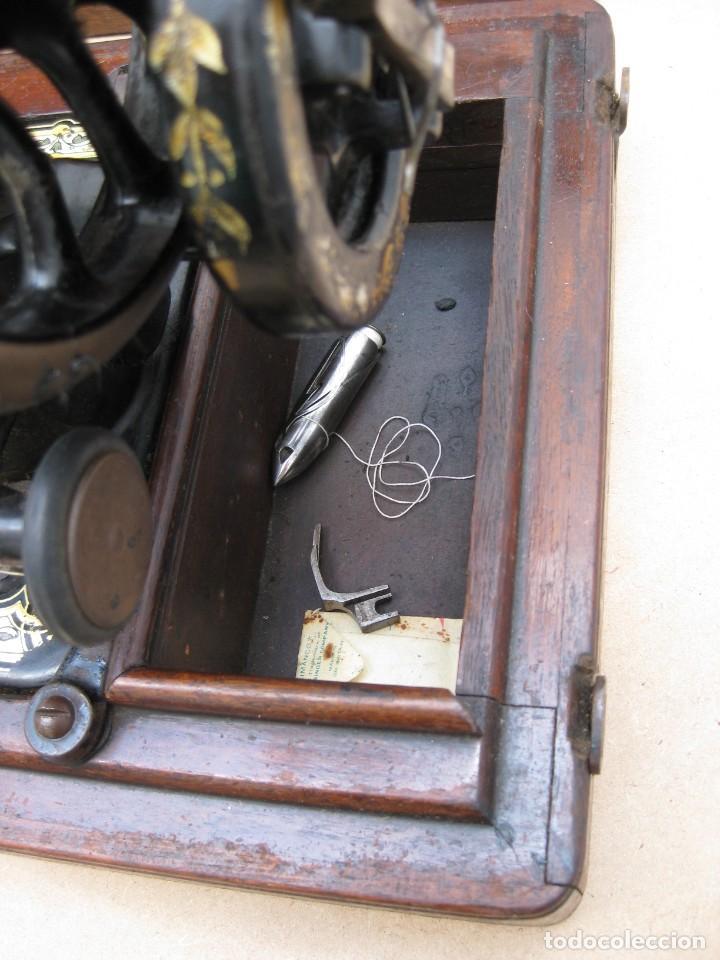 Antigüedades: Maquina coser a manivela Singer.Funciona - Foto 8 - 208045885
