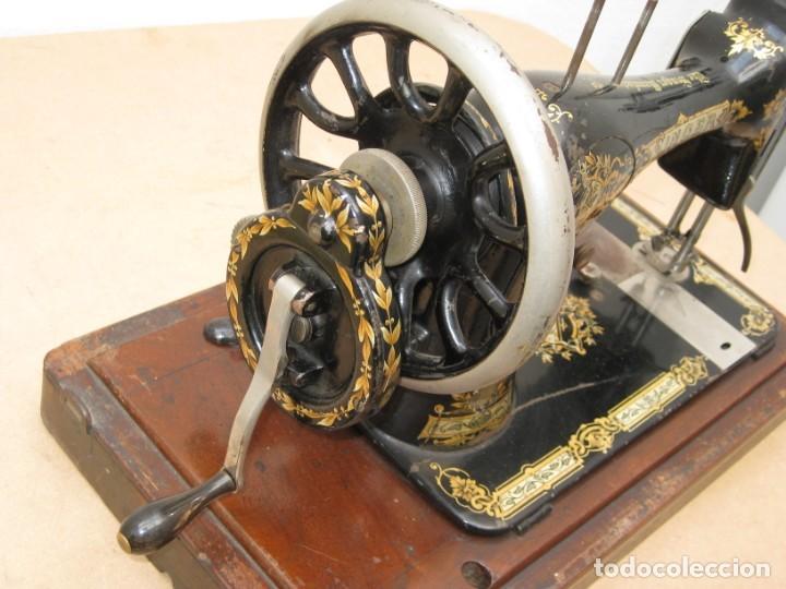 Antigüedades: MAQUINA COSER A MANIVELA SINGER.FUNCIONA - Foto 17 - 208055001