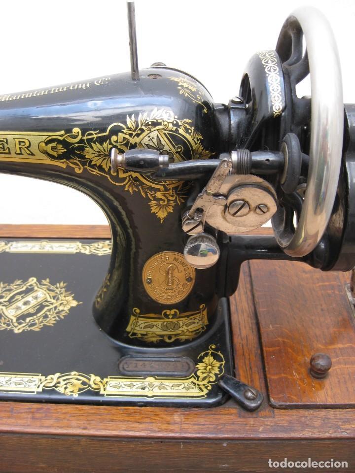 Antigüedades: Antigua maquina coser Singer a manivela. Funciona. - Foto 23 - 236026115
