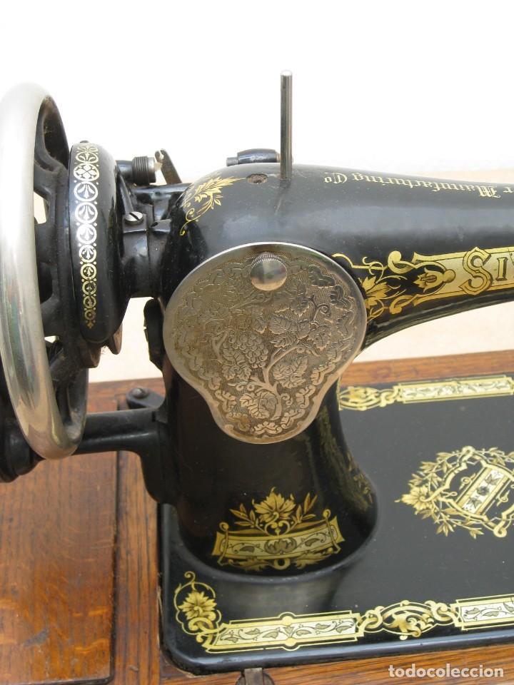 Antigüedades: Antigua maquina coser Singer a manivela. Funciona. - Foto 12 - 236026115