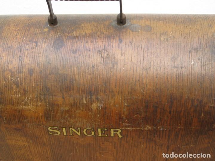 Antigüedades: Antigua maquina coser Singer a manivela. Funciona. - Foto 19 - 236026115