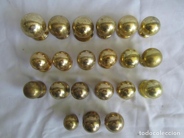 Antigüedades: 21 pomos tiradores de bronce macizo - Foto 2 - 208062566