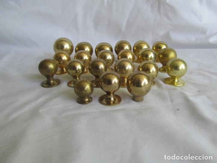 Antigüedades: 21 pomos tiradores de bronce macizo - Foto 3 - 208062566