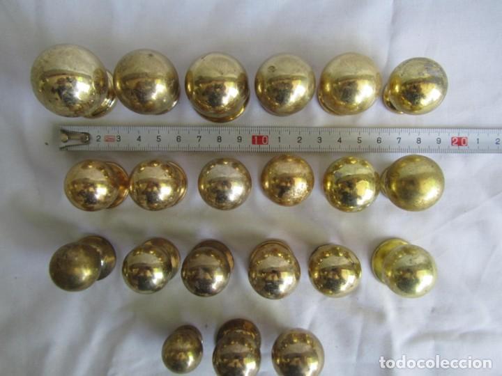 Antigüedades: 21 pomos tiradores de bronce macizo - Foto 4 - 208062566