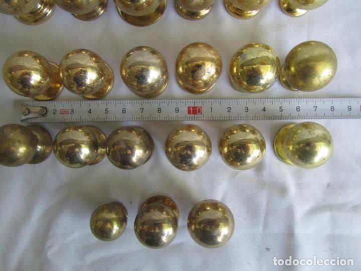 Antigüedades: 21 pomos tiradores de bronce macizo - Foto 5 - 208062566