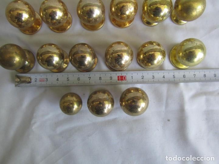 Antigüedades: 21 pomos tiradores de bronce macizo - Foto 6 - 208062566