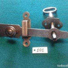 Antigüedades: ANTIGUO PESTILLO DE PUERTA. Lote 208066063