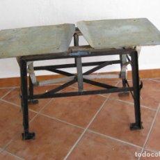 Antigüedades: BALANZA O BASCULA DE HIERRO PARA CITRICOS. Lote 208081267