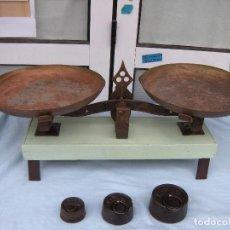 Antigüedades: PESO CON PLATOS Y PESAS. Lote 208203141
