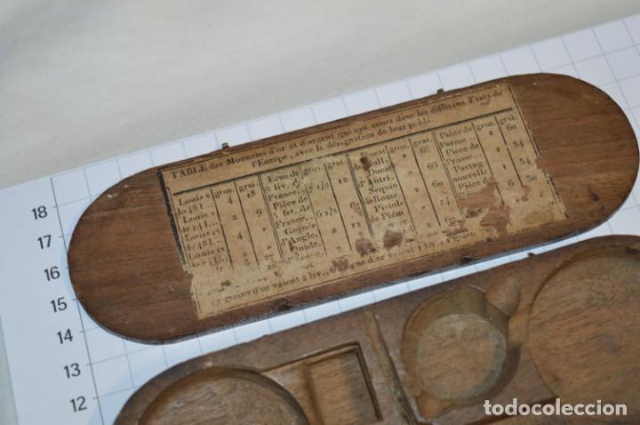 Antigüedades: ANTIGUA BALANZA / PESO en MINIATURA - EN METAL - UNA JOYA - PRECIOSA - ¡Mira fotos y detalles! - Foto 2 - 208396302