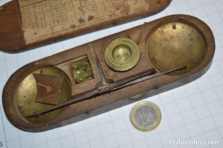 Antigüedades: ANTIGUA BALANZA / PESO en MINIATURA - EN METAL - UNA JOYA - PRECIOSA - ¡Mira fotos y detalles! - Foto 16 - 208396302