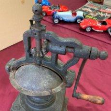 Antigüedades: ANTIGUO MOLINILLO DE CAFE GRANDE.. Lote 208412271