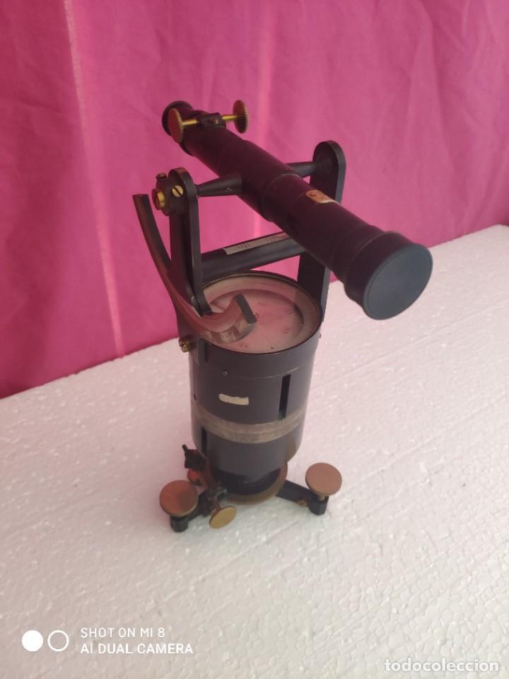 TEODOLITO FABRICADO EN LA EMPRESA AMANDO LAGUNA - XXX 011 (Antigüedades - Técnicas - Otros Instrumentos Ópticos Antiguos)