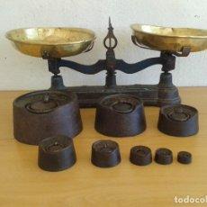 Antigüedades: ANTIGUA BALANZA 10 KG Y SUS PESAS DE 50 GR A 10 KG. Lote 208648155