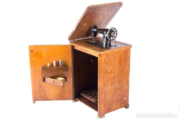 Antigüedades: Máquina de coser Alfa. Años 30. - Foto 5 - 208722152