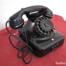Teléfonos: TELÉFONO DE MESA ALEMÁN ANTIGUO DE BAQUELITA MODELO W38 HECHO EN ALEMANIA A PARTIR FINALES AÑOS 30. Lote 208870193