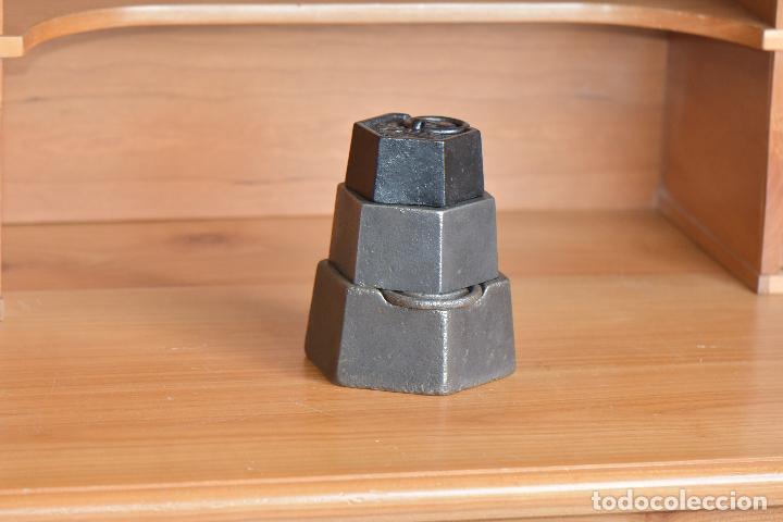 Antigüedades: TRES PESAS DE CON MARCAJES - Foto 2 - 208931458