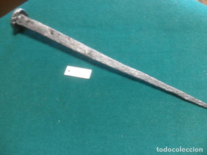 ANTIGUO CLAVO DE FORJA (Antigüedades - Técnicas - Cerrajería y Forja - Clavos Antiguos)