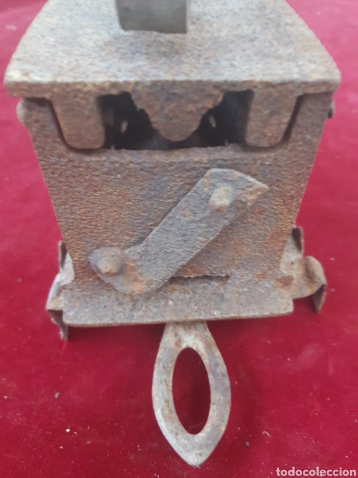 Antigüedades: Antigua plancha de carbon y soporte - Foto 3 - 209057923