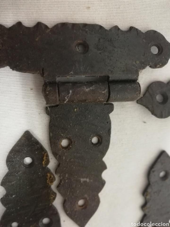 Antigüedades: BISAGRAS HIERRO FORJADO. TIPO CASTELLANO. RUSTICO. ARMARIO. CAJON. MUEBLE - Foto 3 - 209144305