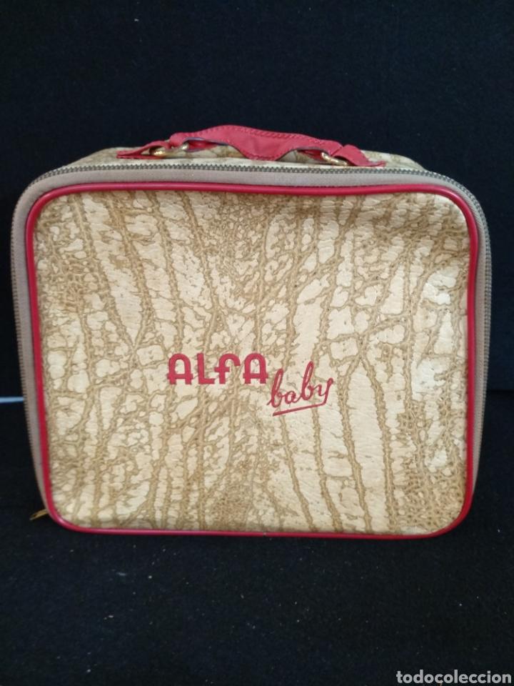 Antigüedades: Maquina de coser Alfa baby. Maquina de viaje - Foto 5 - 209414595