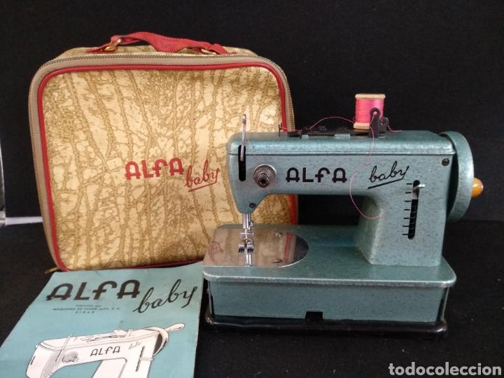 MAQUINA DE COSER ALFA BABY. MAQUINA DE VIAJE (Antigüedades - Técnicas - Máquinas de Coser Antiguas - Alfa)