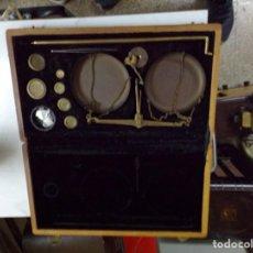 Antigüedades: BALANZA BASCULA PRECISION DESMONTABLE CON SU ESTUCHE Y PESAS. Lote 209702900