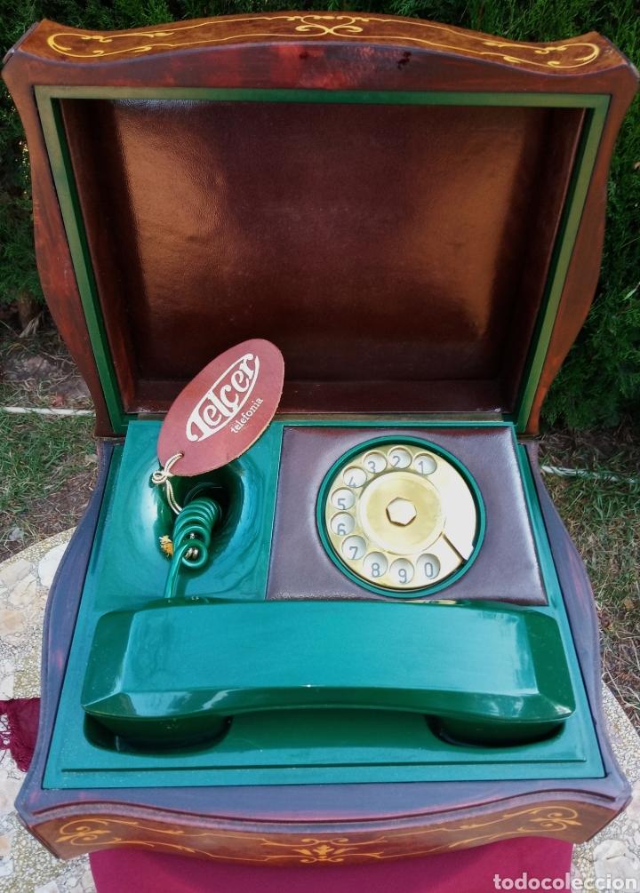 Teléfonos: TELEFONO TELCER - ALTA CALIDAD - EN CAJA DE MADERA DE RAIZ - BAQUELITA Y CUERO - VINTAGE - AÑOS 1950 - Foto 3 - 209811141