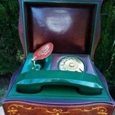 Teléfonos: TELEFONO TELCER - ALTA CALIDAD - EN CAJA DE MADERA DE RAIZ - BAQUELITA Y CUERO - VINTAGE - AÑOS 1950. Lote 209811141
