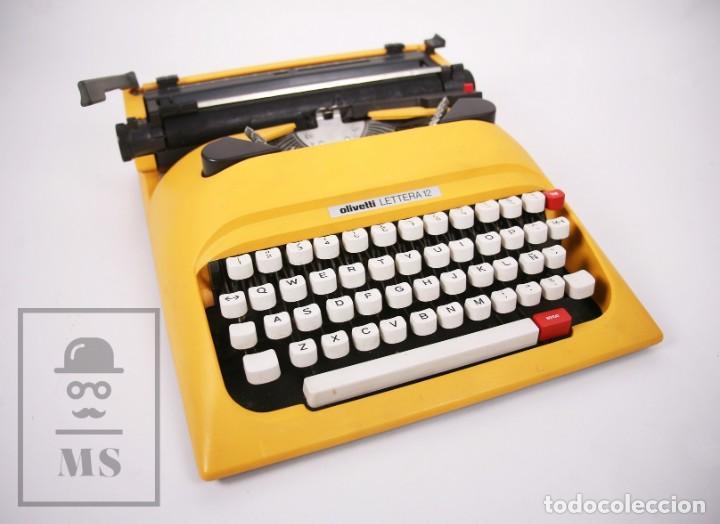 MÁQUINA DE ESCRIBIR OLIVETTI LETTERA 12 - AÑOS 80 - COLOR AMARILLO - EN MALETÍN - RESTAURACIÓN (Antigüedades - Técnicas - Máquinas de Escribir Antiguas - Olivetti)