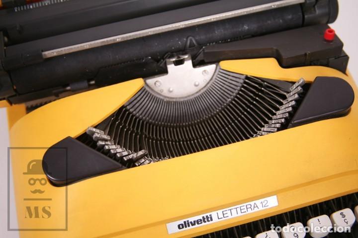 Antigüedades: Máquina de Escribir Olivetti Lettera 12 - Años 80 - Color Amarillo - En Maletín - Restauración - Foto 5 - 210013781