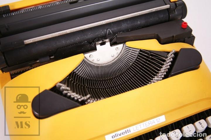 Antigüedades: Máquina de Escribir Olivetti Lettera 12 - Años 80 - Color Amarillo - En Maletín - Restauración - Foto 7 - 210013781