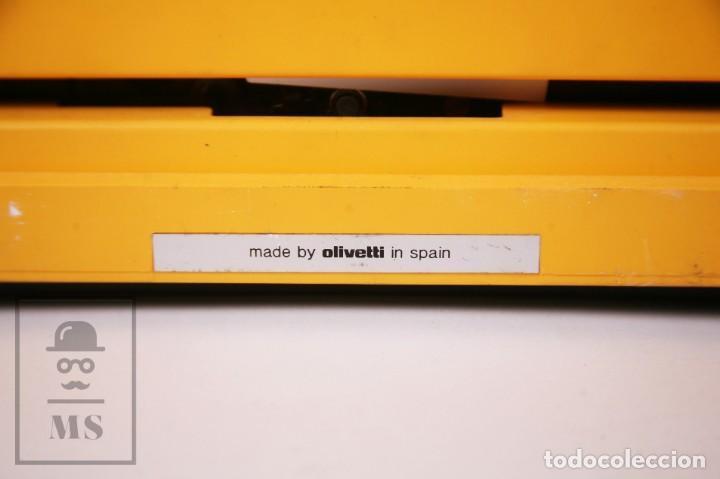 Antigüedades: Máquina de Escribir Olivetti Lettera 12 - Años 80 - Color Amarillo - En Maletín - Restauración - Foto 10 - 210013781