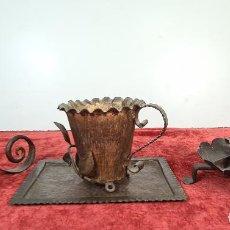Antigüedades: CONJUNTO DE PIEZAS EN HIERRO FORJADO Y LATÓN. AÑOS 50/70.. Lote 210077805