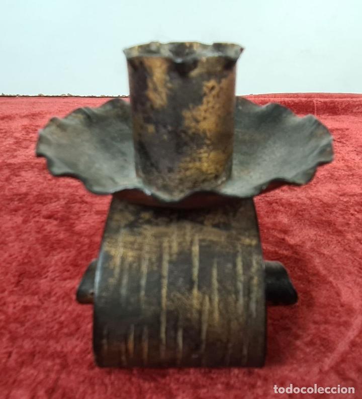 Antigüedades: CONJUNTO DE PIEZAS EN HIERRO FORJADO Y LATÓN. AÑOS 50/70. - Foto 8 - 210077805