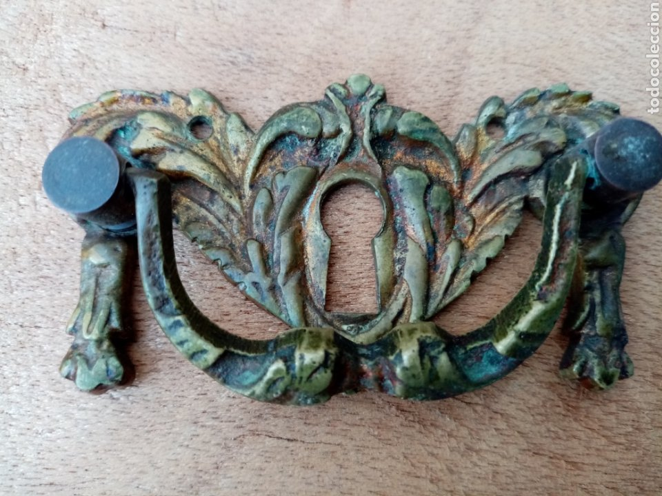 Antigüedades: Antiguos tiradores de bronce con ojo de cerradura - Foto 3 - 210146088