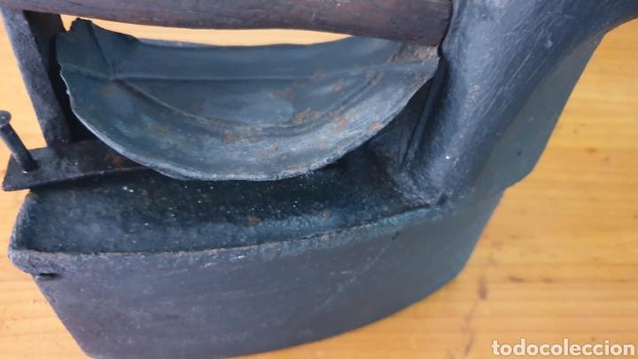 Antigüedades: ANTIGUA PLANCHA DE CARBÓN DE CHIMENEA. - Foto 2 - 210156890