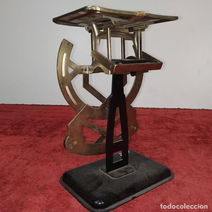 Antigüedades: BALANZA PARA CORREO. METAL. MARCA PETRUS. ESPAÑA. SIGLO XX - Foto 4 - 210183121