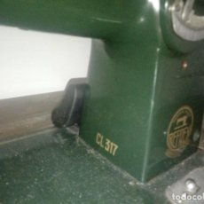 Antigüedades: MAQUINA DE COSER REFREY CL 317 ZIG ZAG DE 1953 OPERATIVA TOTALMENTE, TODO ORIGINAL.. Lote 210210600