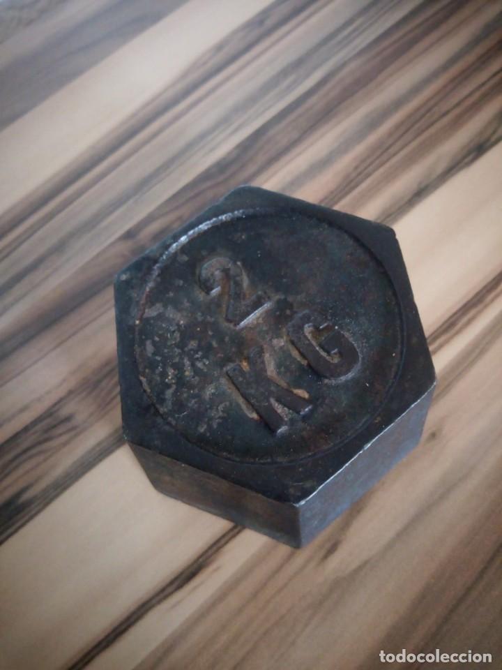 Antigüedades: Antiguo peso de 2 kg - Foto 3 - 210217352