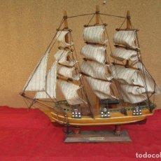 Antigüedades: MAQUETA ANTIGUA DE LA FRAGATA INGLESA DE 1870: HMS BOUNTY. MADERA Y LONA. Lote 210273630