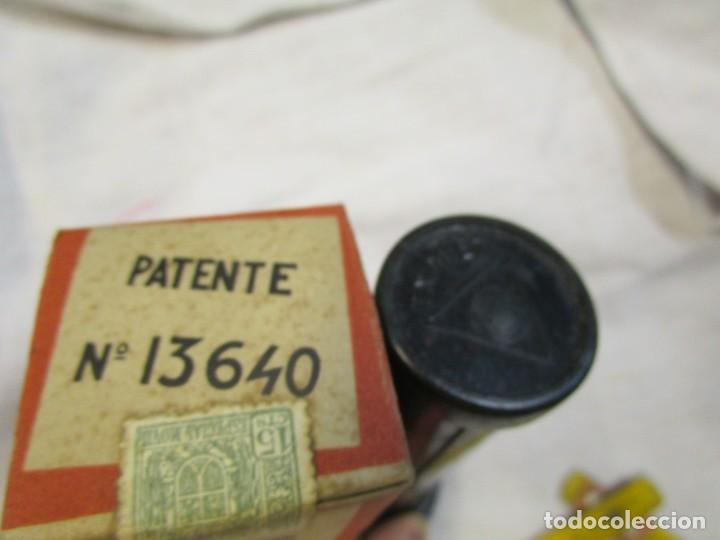 Antigüedades: OÑATE OÑATI - LINTERNA TXIMIST , DE LOS 45S, SIN USO, COMPLETA, SIN PILAS, 15CM BAKELITA + info. - Foto 2 - 210284875