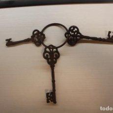 Antigüedades: TRES LLAVES DE IGLESIA, INFORMACIÓN Y MEDIDAS EN DESCRIPCIÓN. Lote 210343042