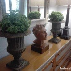 Antigüedades: PAREJA DE COPAS MEDICI DE HIERRO COLADO.. Lote 209914798
