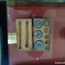 Antigüedades: BONITA Y RUSTICA CAJA DE PESAS. ORIGEN CAMPIÑA FRANCESA. SIGLO XIX.. Lote 210378752
