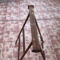 Antigüedades: ANTIGUO CABALLETE DE HIERRO FORJADO. Lote 210420155