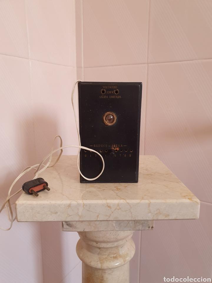 ANTIGUO ELEVADOR REDUCTOR DE CORRIENTE MARCA ANCORA VOLTACORD (Antigüedades - Técnicas - Herramientas Profesionales - Electricidad)