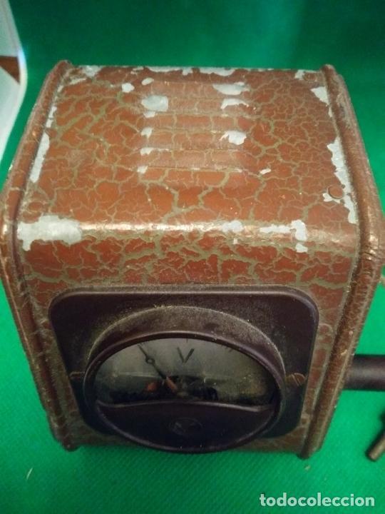 Antigüedades: Antiguo voltímetro medidor de voltaje - Foto 3 - 210478691
